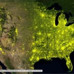 Какова была общая численность населения США в 2010 году?