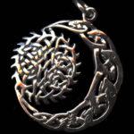 Что такое кельтское солнце и луна ?