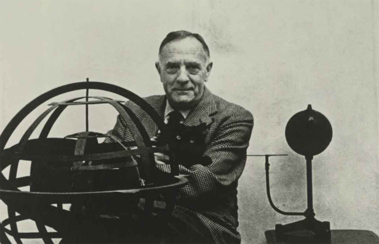 edwin hubble Biografía de edwin powell hubble edwin powell hubble (20 de noviembre de 1889 – 28 de septiembre de 1953) astrónomo nació en el poblado de marshfield, misuri.
