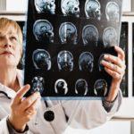 Каков средний размер человеческого мозга ?