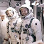 Первый космонавт который высадился на Луну ?