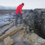 Что заставляет тектонических плит двигаться ?