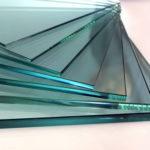 Какова плотность стекла ?