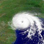 Сколько человек погибло из-за урагана Иван ?
