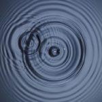 Что вызывает звуковые волны?