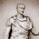 Сколько лет было цезарю когда он стал директором?