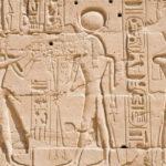 Почему древние египтяне использовали иероглифы?