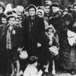 Сколько людей погибло при Холокосте?