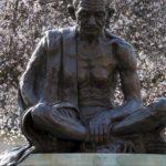 Как Ганди умер?