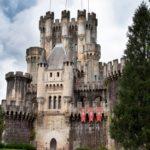 Для чего использовались средневековые замки?