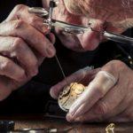 Кто изобрел первые в мире часы?