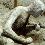 Какой ущерб нанес Везувий?