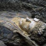 Какие предметы или инструменты использовались для мумификации людей в Древнем Египте?