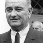 Почему президент Джонсон уволил военного министра Эдвина Стэнтона?