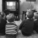 Когда было изобретено первое черно-белое телевидение?