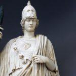 Что носила греческая богиня Афина?